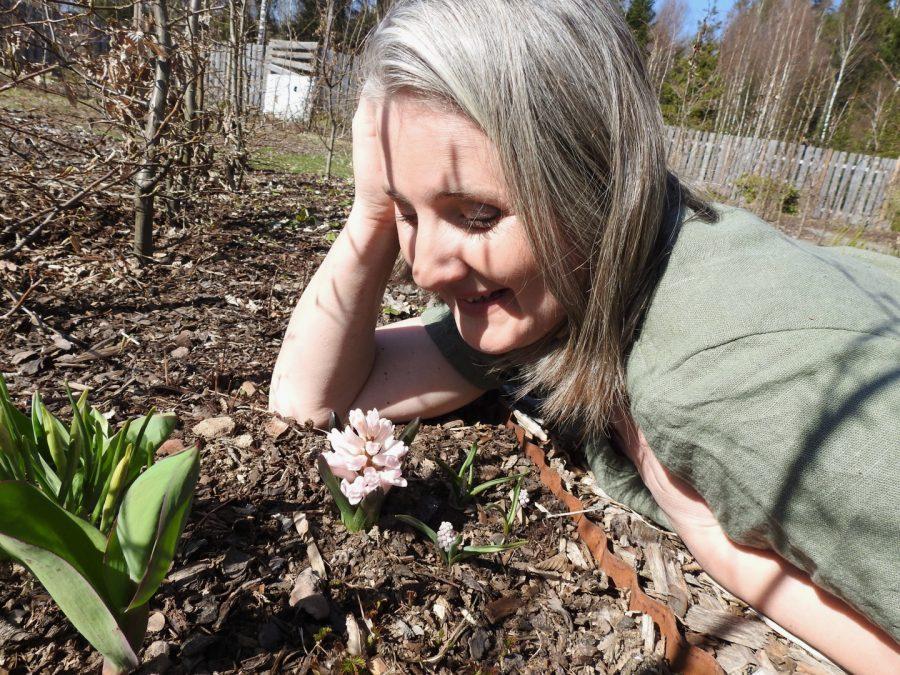 Annika i chakraträdgården